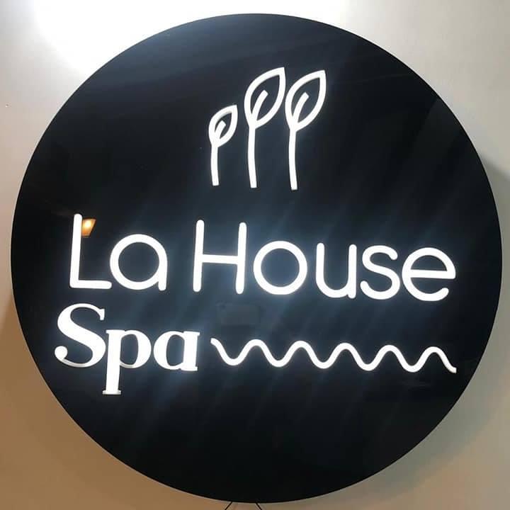 LA HOUSE SPA